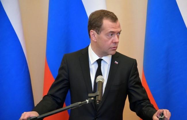 Медведев пристига в Баку, където ще се срещне с президента на Азербайджан