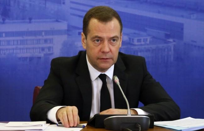 Медведев обеща на руснаците в чужбина защита на правата им