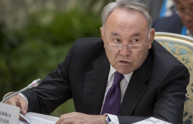 Назарбаев обеща да направи всичко възможно за възстановяването на отношенията между Русия и Украйна