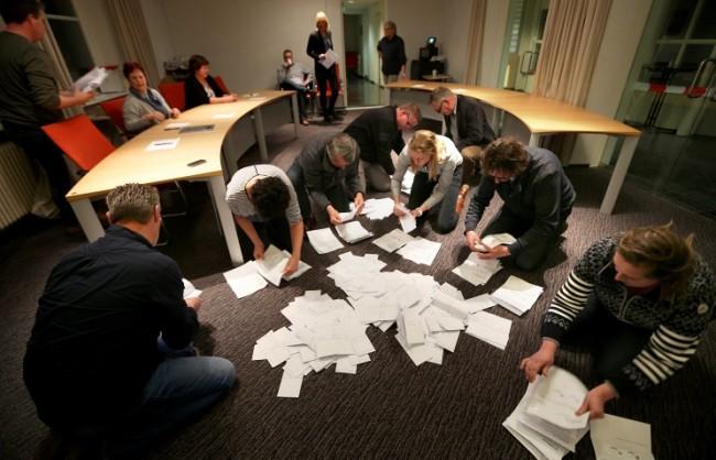 Песков: Референдумът в Холандия демонстрира недоверието на гражданите към асоциирането на Украйна с ЕС