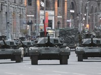 """Русия ще получи първите 100 серийни танка Т-14 """"Армата"""" през 2018 година"""