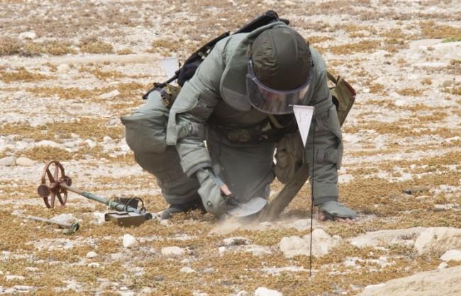 Конашенков: Руските сапьори откриха в Палмира голям склад на ИД с 12 хил. взривоопасни предмета
