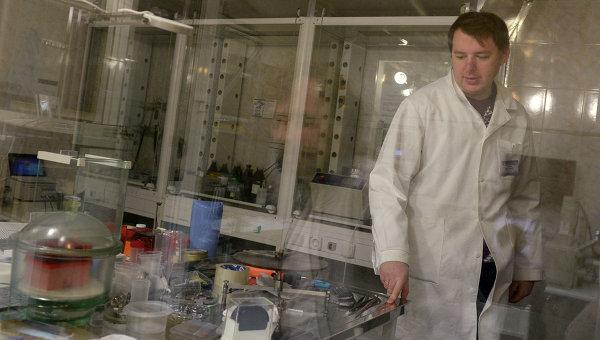 Сибирски учени разработват уникален аерогел за експерименти с елементарни частици