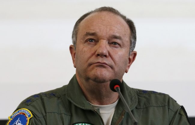 """Преди да напусне поста си Брийдлав нарече Путин """"гласът на здравия разум"""""""