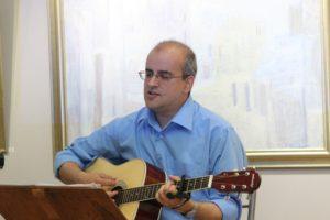 Вълнуващо изпълнение на руски песни от Петко Хинов