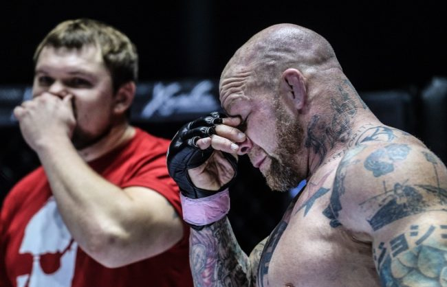 MMA боецът Джеф Монсън готов да влезе в руската армия, ако Русия бъде въвлечена във военен конфликт