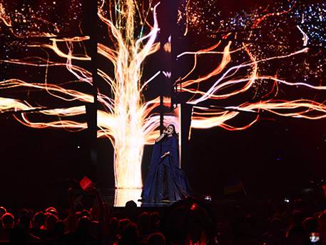 """Кримчани за победата на Джамала: Другата година Евровизия ще спечели немец с песента """"1945"""""""