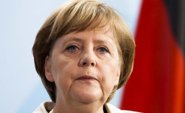 Меркел: Прекалено рано е за отмяна на санкциите срещу Русия