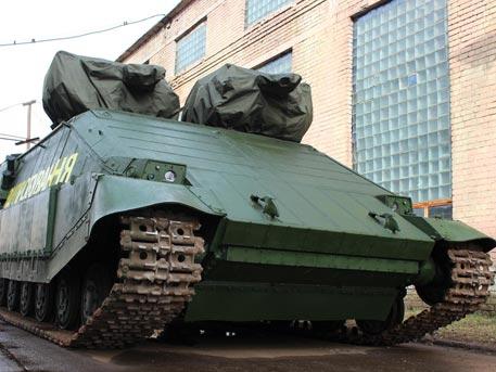 """Оптика от домофон в хибрида между трактор и боклукчийски камион: спряха тестовете на украинския """"Азовец"""""""