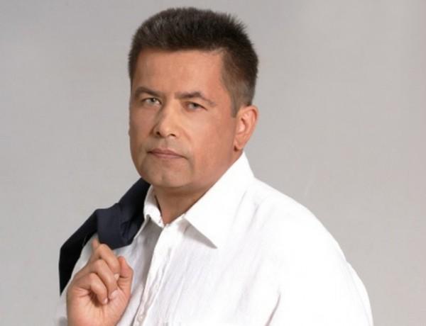 Николай Расторгуев: Мразя да пея на трапеза