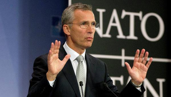 Столтенберг: НАТО ще продължи да оказва помощ за военните реформи в Украйна