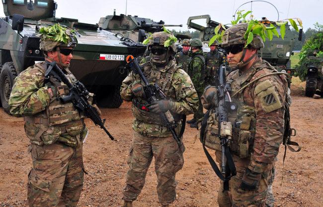 Шойгу: Подготовката на военните на НАТО в близост до руските граници стана двойно по-интензивна