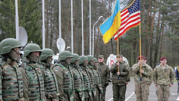 Български военни участват в маневри в Украйна