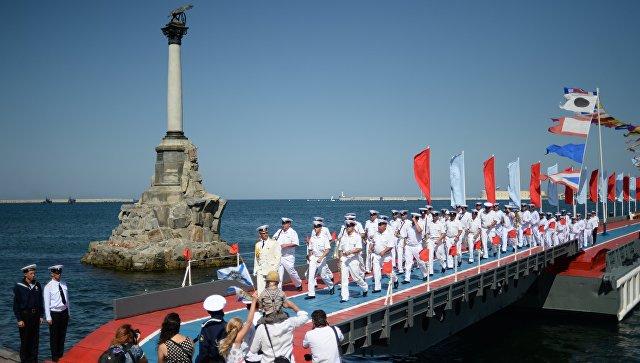 Поканиха Марин Льо Пен на честването на Деня на ВМФ в Крим