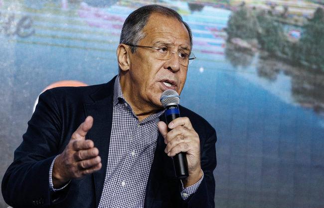 Лавров предупреди, че Русия може да се защити при американски бомбардировки в Сирия
