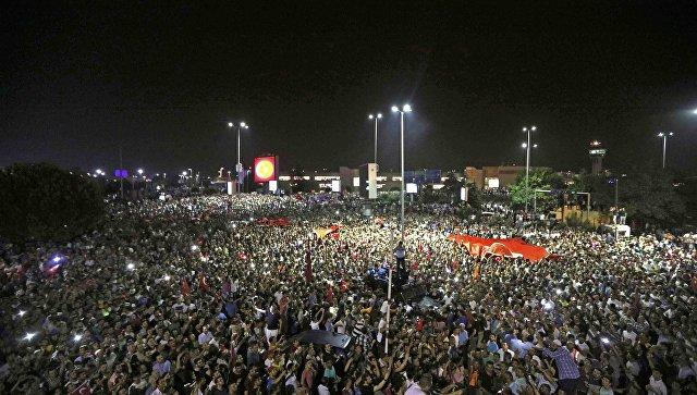 Обама предложи на Ердоган помощ в разследването на опита за държавен преврат