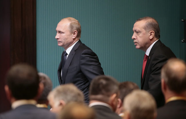 Путин към Ердоган: Антиконституционните действия са недопустими