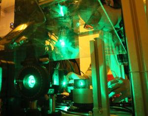 Руски учени създадоха лазерен скалпел на керамична основа