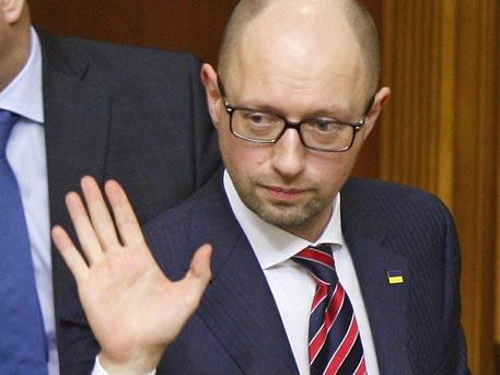 """Яценюк """"забрани"""" на САЩ и ЕС да отменят санкциите срещу Русия"""