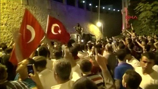 Bloomberg: След опита за преврат икономиката на Турция я очаква печално бъдеще