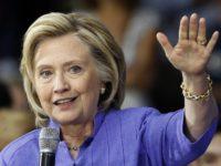 Клинтън забравила секретен документ в Русия