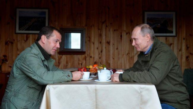 Общият уикенд на Владимир Путин и Дмитрий Медведев (СНИМКИ)