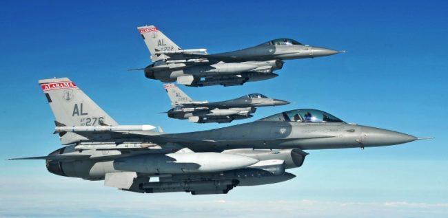 NI: Легендарният американски изтребител F-16 против китайския J-20 и руските Су- 35 и  ПАК ФА: Кой ще победи?