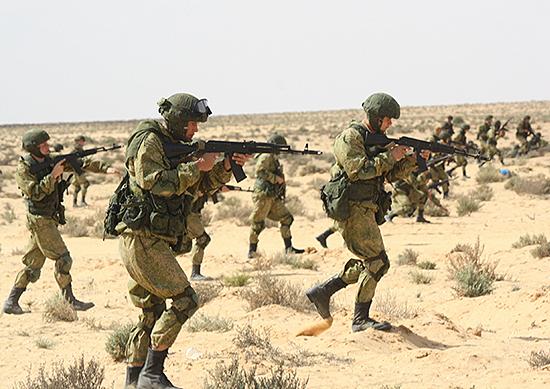 Руски десантчици тренират в Египет /Видео/