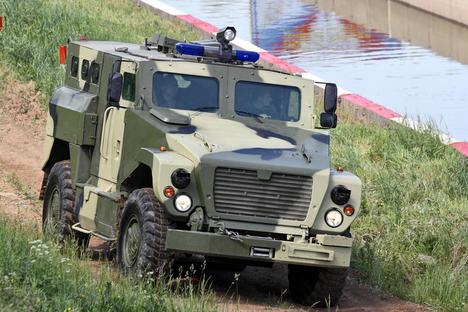 """Руските """"Медведи"""" постъпиха на бойна служба"""