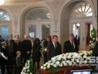 Поклонението пред Бисер Киров