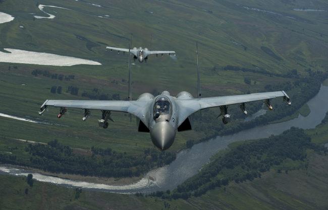 ВИДЕО: Изтребители МиГ-29СМТ във въздушен дуел по време на учение