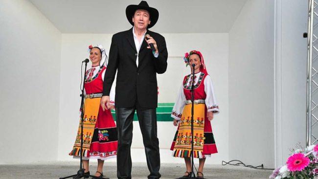 Бисер Киров на юбилейния си концерт през 2012 година в Рзаград / БГНЕС