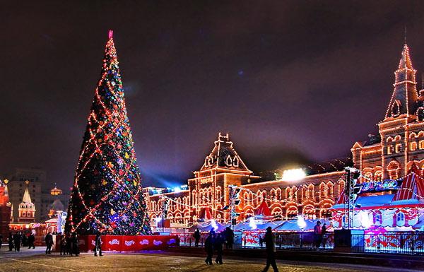Избраха най-важната новогодишна елха в Русия