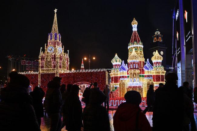 Москва е готова за 2017: Празнично настроениe в снимки