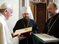 Патриарх Кирил подари на римския папа икона по повод 80-годишнината му