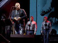 Николай Разторгуев беше в добро настроение и често разговаряше с публиката БУЛФОТО