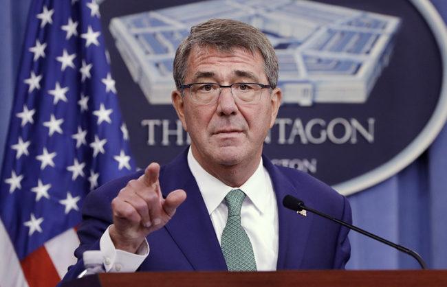 Министърът на отбраната на САЩ Аштън Картър