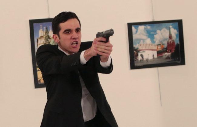 """Джихадистите от """"Ал Нусра"""" поеха отговорност за убийството на руския посланик в Анкара"""