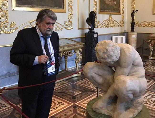 Снимка: Министерство на културата. В Санкт Петербург поздравиха министър Вежди Рашидов за постиженията на българската култура