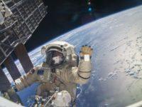 """В Русия спорят да има ли специалност """"космонавт"""""""