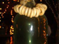 """В такива огромни стъклени бутилки братушките правят домашната водка, наречена """"Самогон"""""""