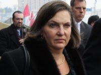 Скандалната Виктория Нюланд подава оставка