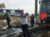 Руски богатир изтегли локомотив с тегло 288 тона
