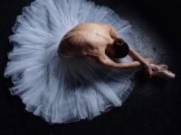 Прекрасни балерини зад кулисите