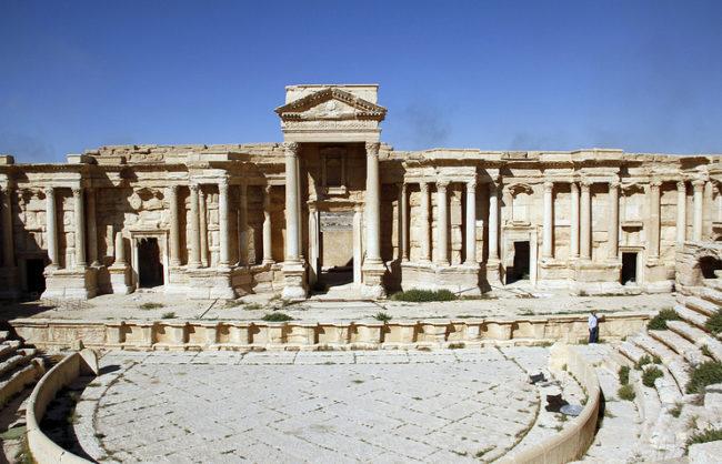 Русия алармира: ИД карат екзплозиви към Палмира!