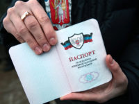 Кремъл защити решението си за признаване на паспортите, издавани в Източна Украйна