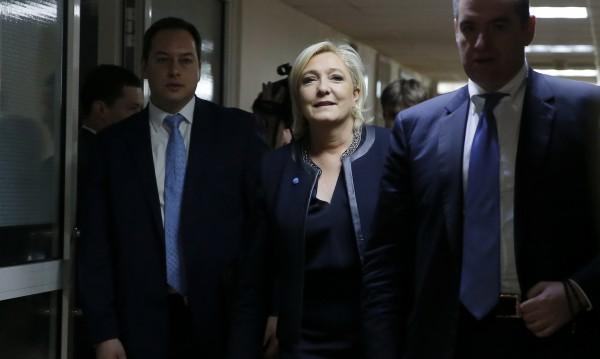 Марин льо Пен пристига в Държавната дума. Снимка: Reuters