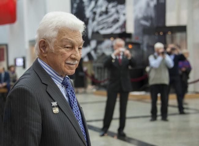 Почина легендарният летец-изпитател Степан Микоян