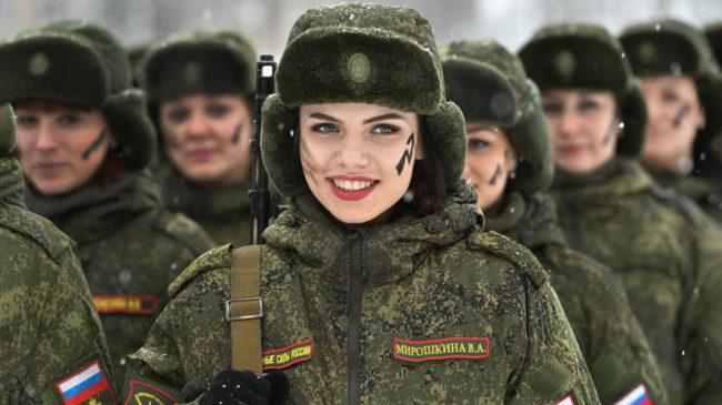 326 хиляди жени служат във Въоръжените сили на Русия