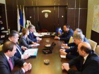 Кметът на Бургас и руският посланик у нас Анатолий Макаров обсъдиха предстоящия туристически сезон